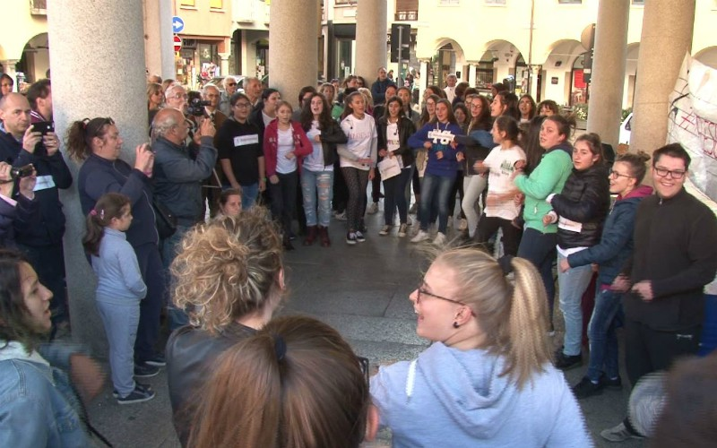 omegna flash mob